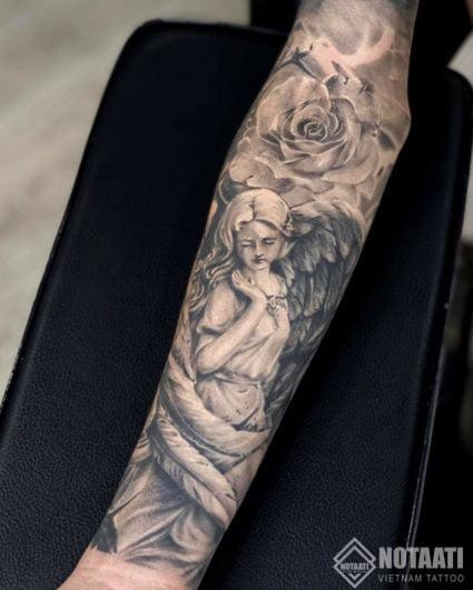 ý nghĩa hình xăm hoa hồng đen